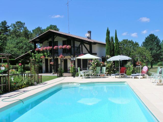soustons landes soustons maison a vendre piscine grand terrai landes immobilier hossegor. Black Bedroom Furniture Sets. Home Design Ideas