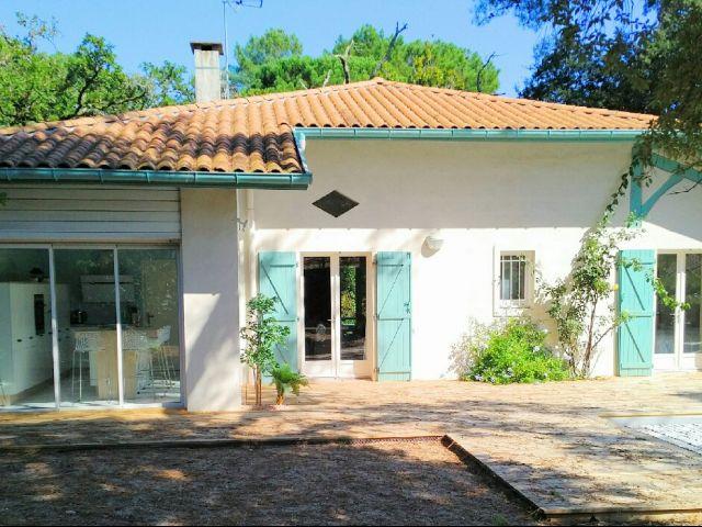 Petite maison de luxe a vendre hossegor avec piscine landes immobilier hossegor for Petite maison luxueuse