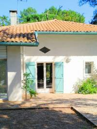 small luxury house for sale in hossegor with pool